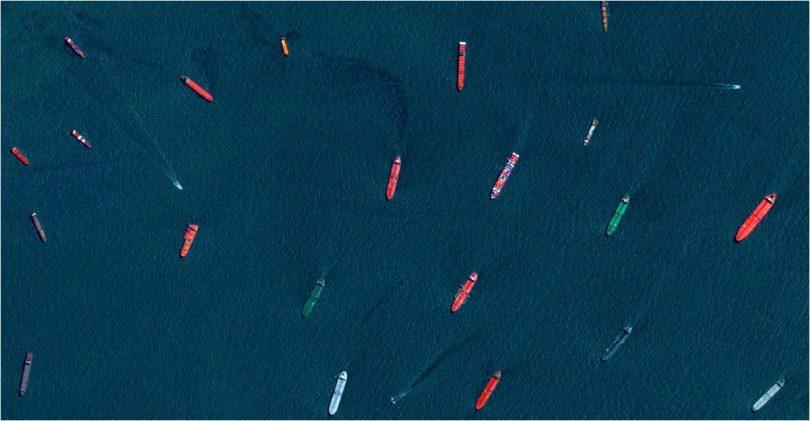 Ladje na morju