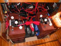 Akumulatorji na plovilu