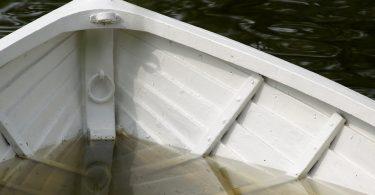 Voda v čolnu